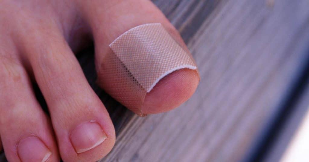 почему болят ногти на ногах