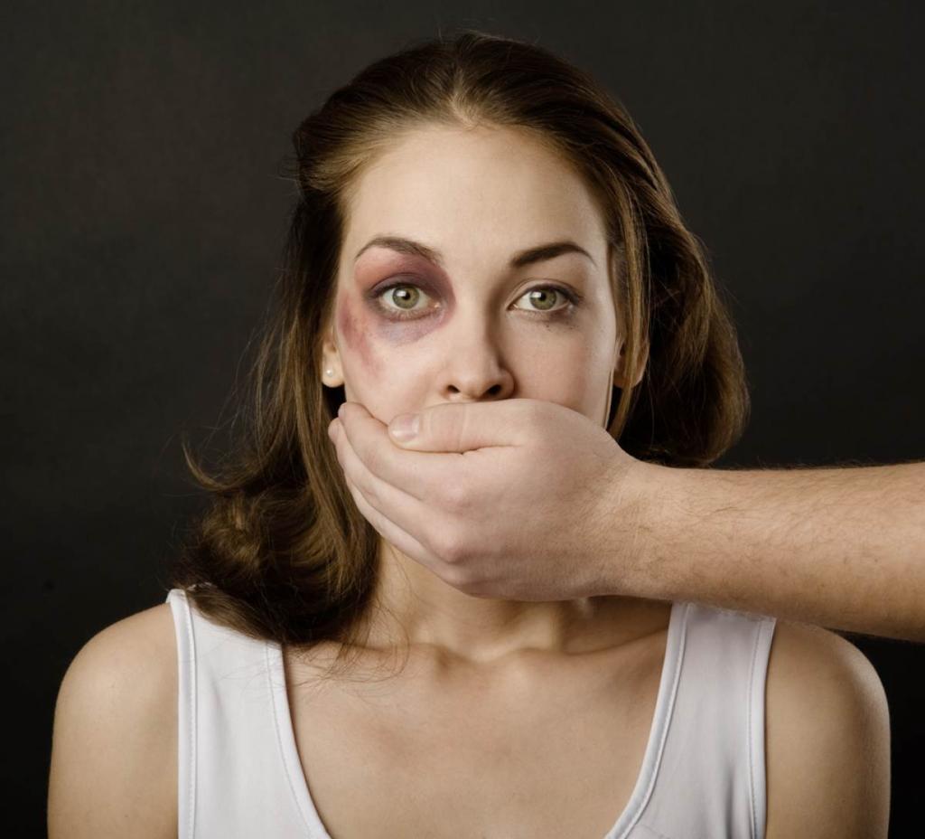 муж избивает жену статья