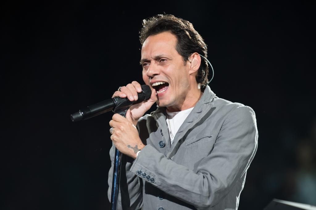 Mark Anthony at the concert