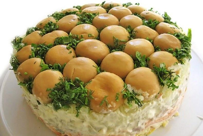 Простые слоеные салаты с фото