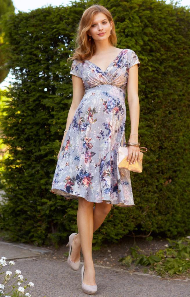Long summer dresses for pregnant women