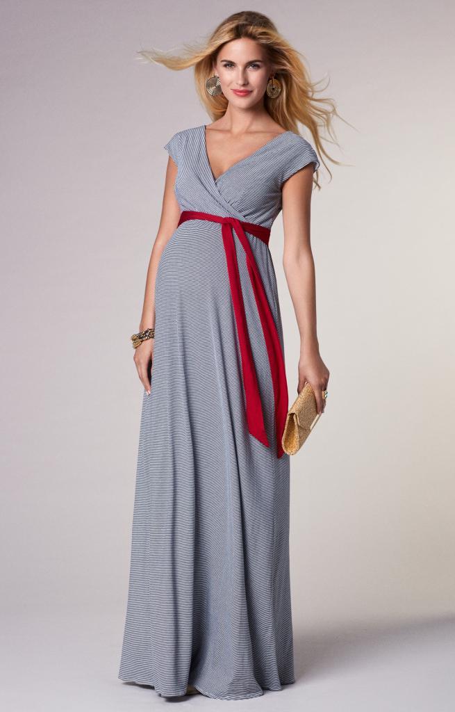 Beautiful summer dress for pregnant women