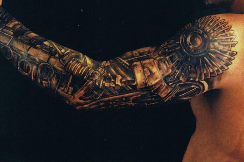 Рукав в стиле биомеханика