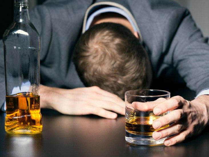 какую таблетку выпить от головы после алкоголя