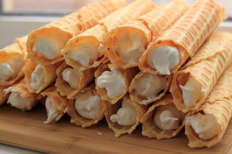 protein cream tubes