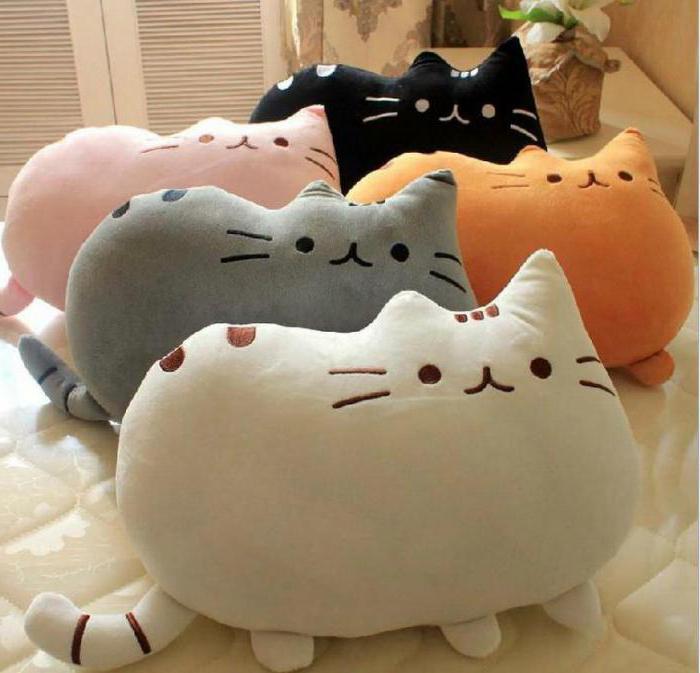 интерьерные подушки коты