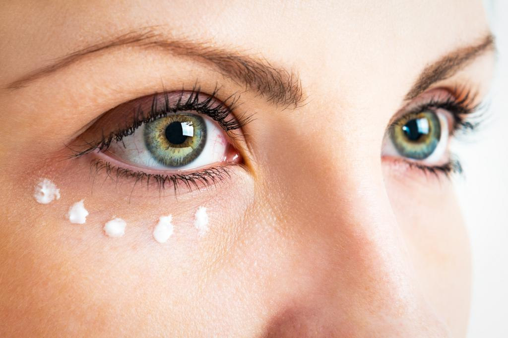 Perfect skin around the eyes