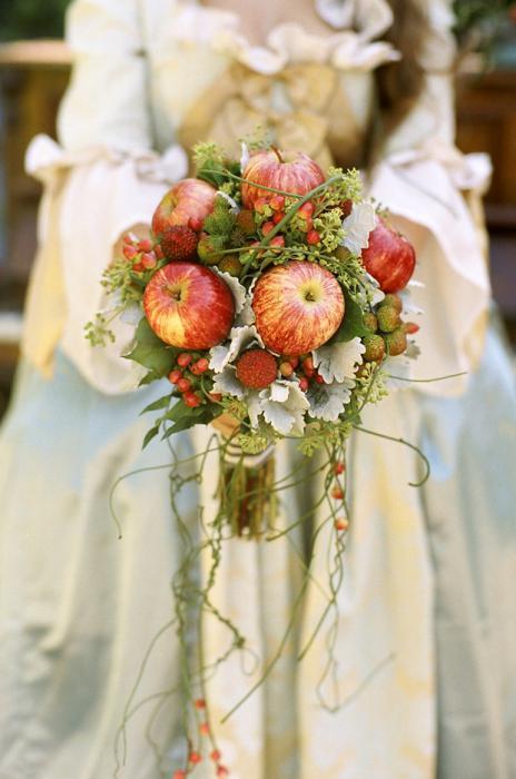 букет из яблок своими руками