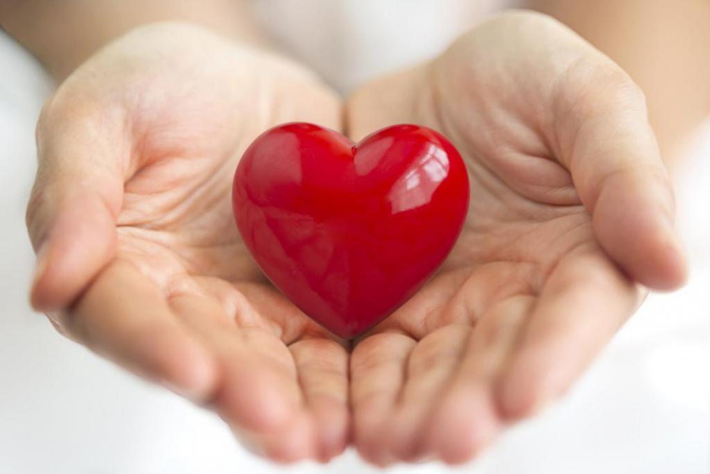 теле сердце в ладошках фото шкафа купе