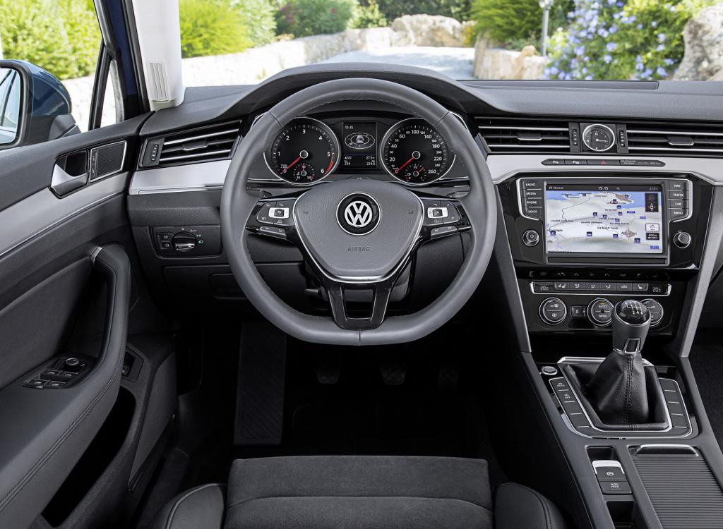 салон автомобиля volkswagen passat variant