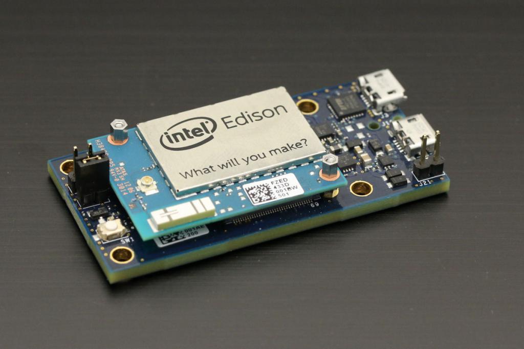 smallest computer in the world intel edison