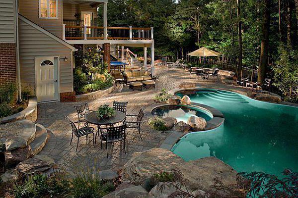 строительство бассейна в загородном доме