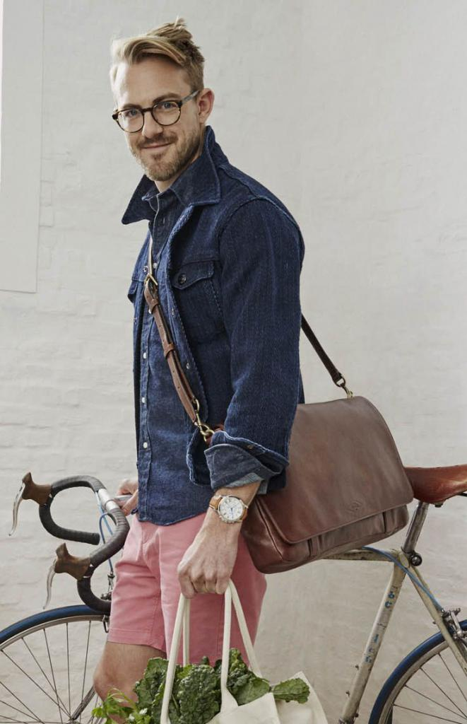 denim shirt combined with a leather bag