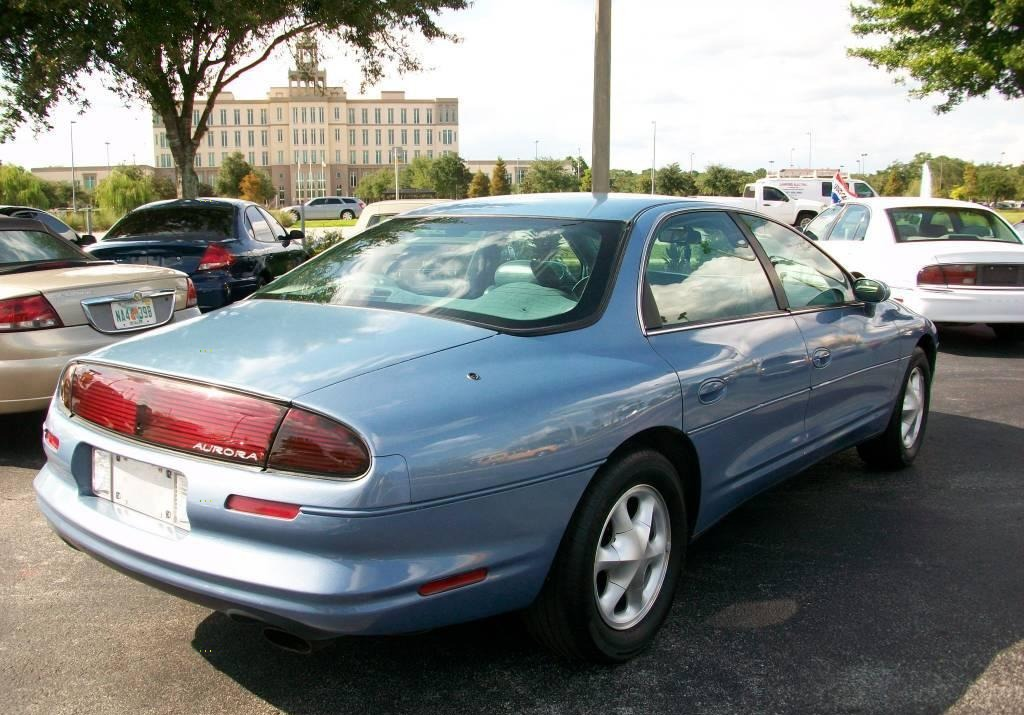 Oldsmobile Aurora 1995 года
