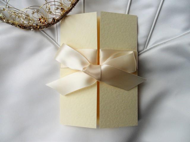 Атласная свадьба - особенности празднования, идеи подарков и рекомендации