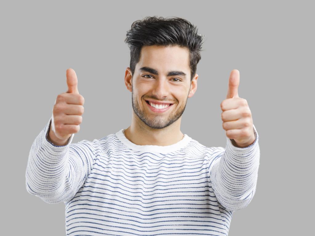 счастливый парень фото российских туристов знаменитый