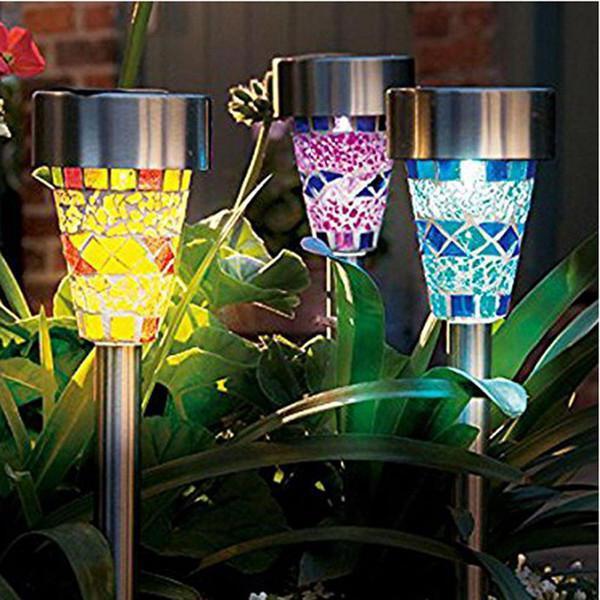 садовые светильники на солнечных батареях цветные