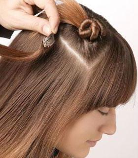 Причёски с накладными волосами на заколках