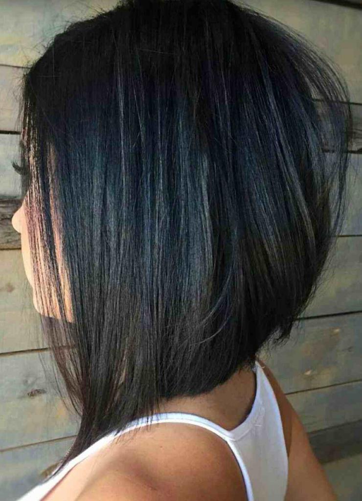 Каре на волосы средней длины