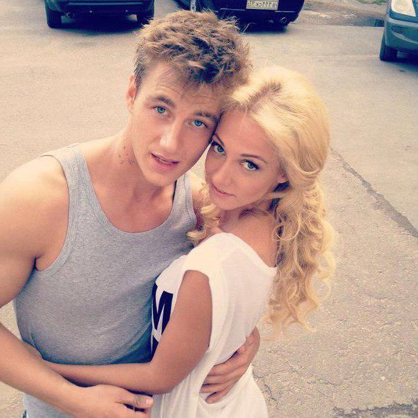 встречаются ли Полина Максимова и Алексей Воробьев