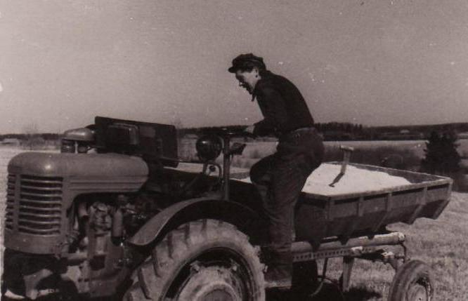 трактор шасси фото была для него