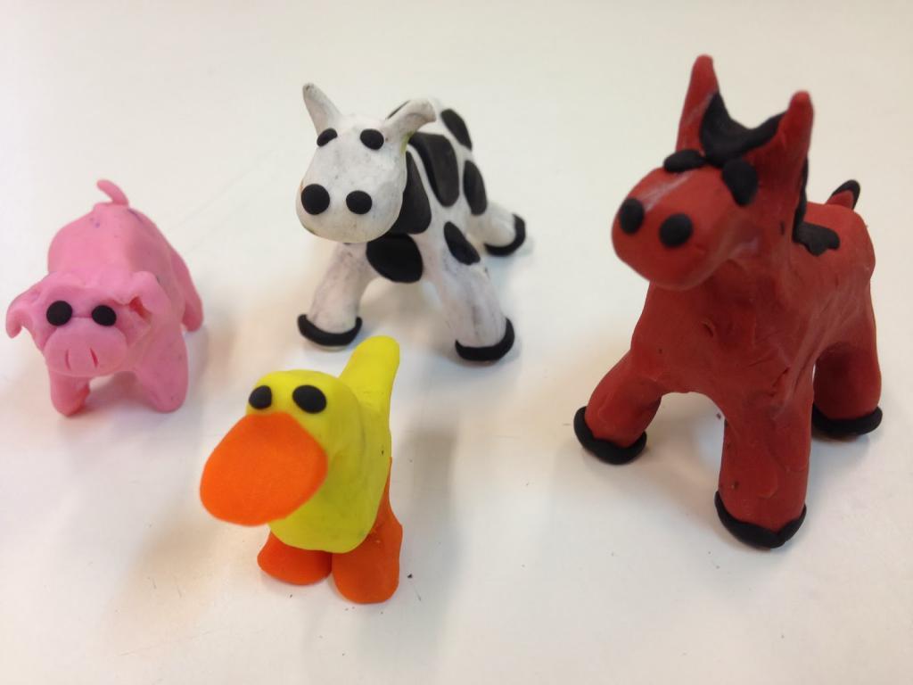 Картинки животных слепленных из пластилина дизайна штор-кафе