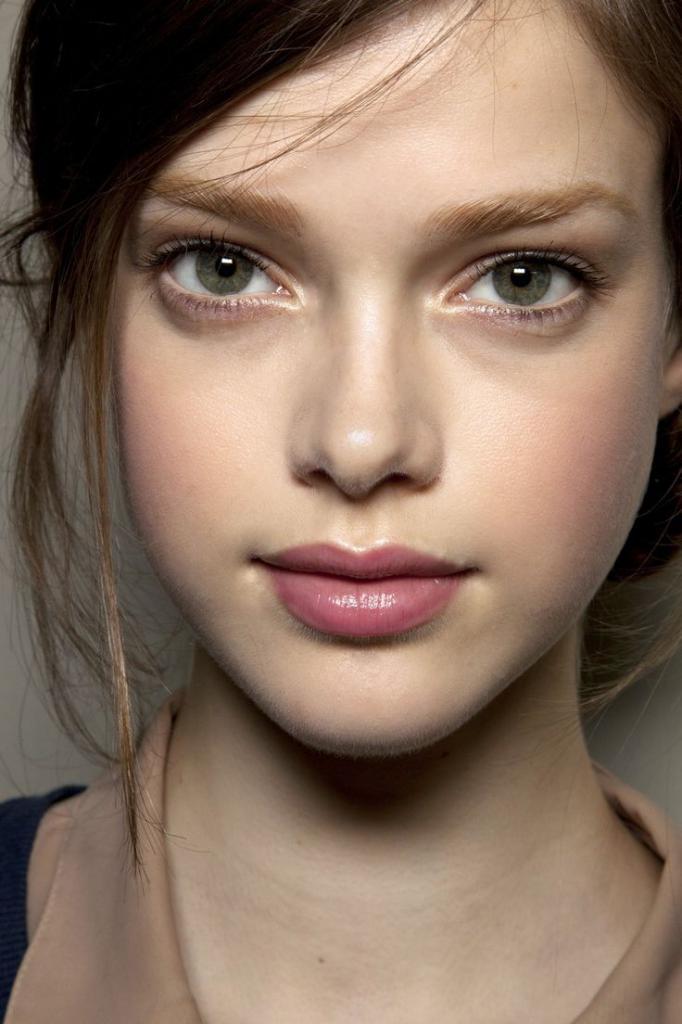 weightless makeup