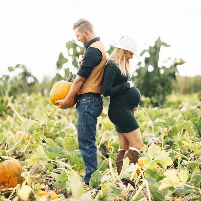 Беременная фотосессия на природе осенью: идеи