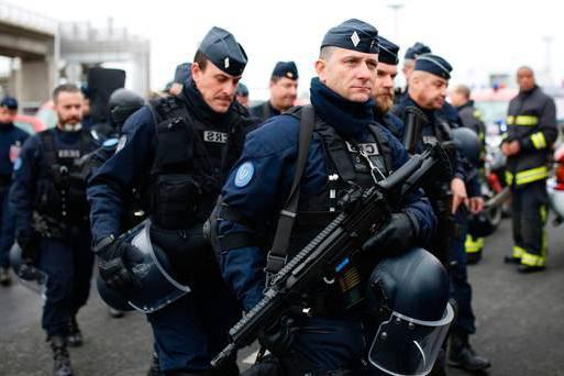 Французская полиция секс видео, женщины дрочат мужьям