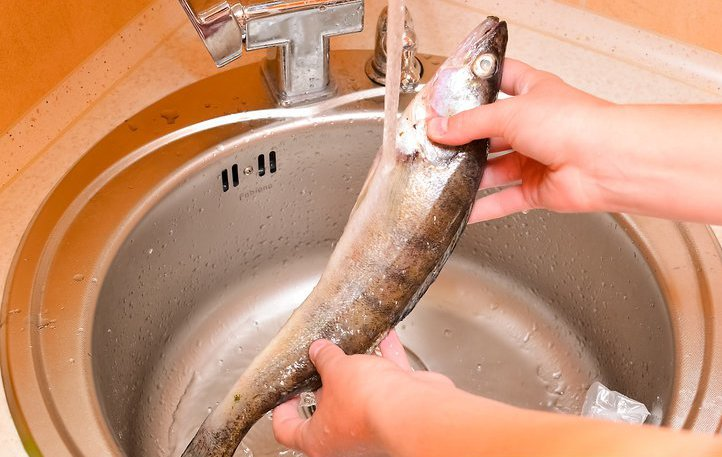 Промывание рыбы