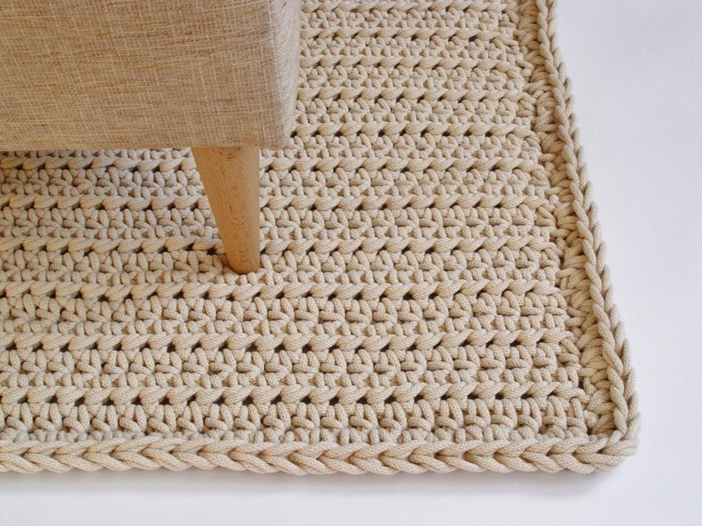 Квадратный коврик крючком