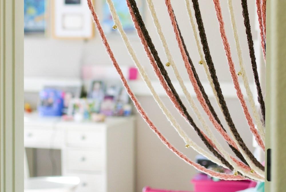 Как сделать шторы нитки своими руками 899
