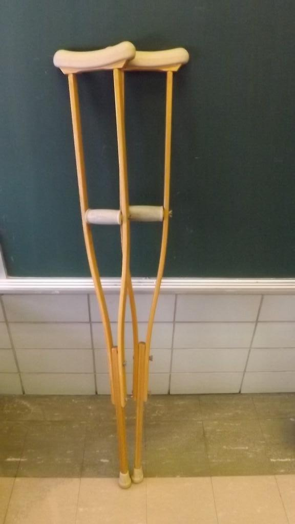 how to choose axillary crutches for adult height