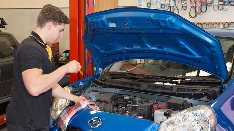 выполнение текущего ремонта автомобилей