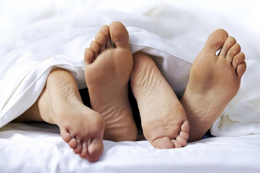 Дергаются ноги во время секса