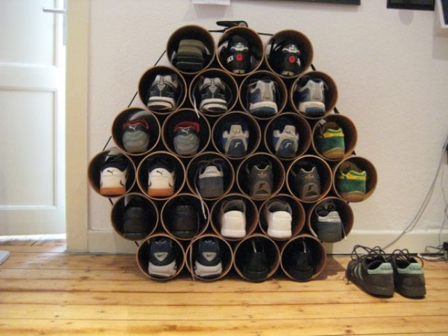 Shelf for shoes from pipes