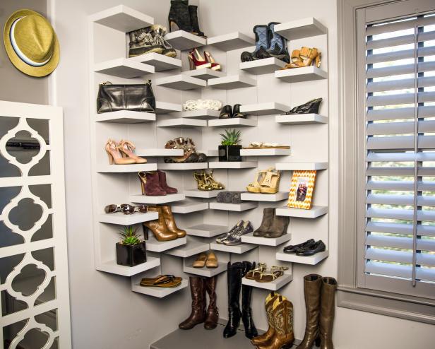 Hinged shoe shelf