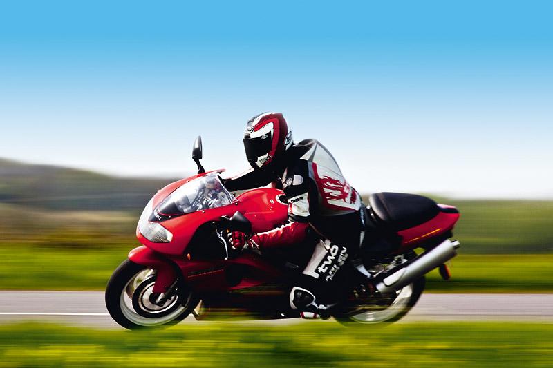 Увереность в езде Suzuki TL1000R