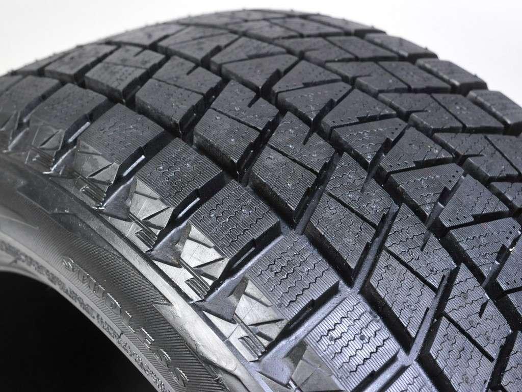 Покрышка Bridgestone Blizzak DM-V1
