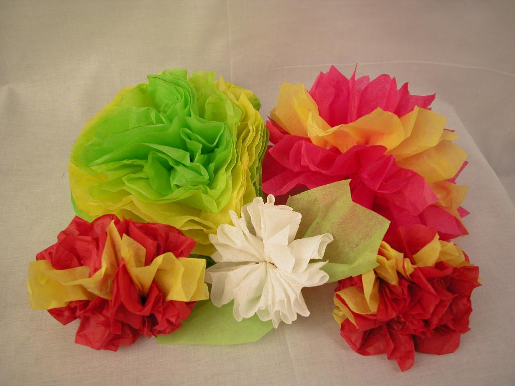 Фото поделок цветов из креповой бумаги