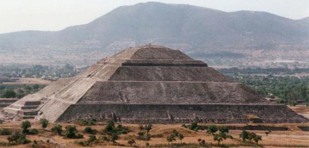 сколько метров пирамида Хеопса в высоту