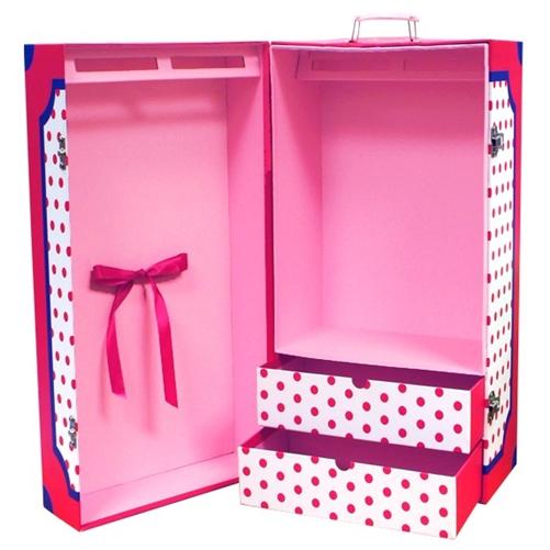 do-it-yourself wardrobe for dolls