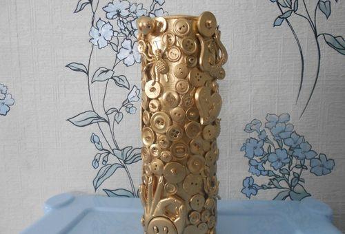 декор вазы пуговицами