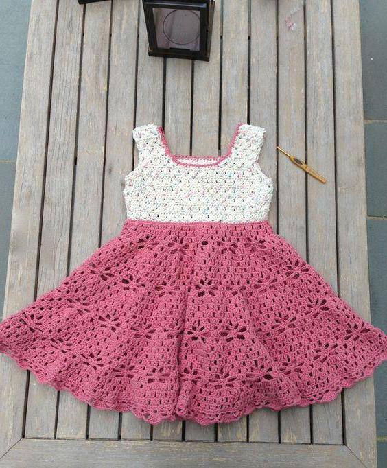 нарядное вязаное платье для девочки 1 год