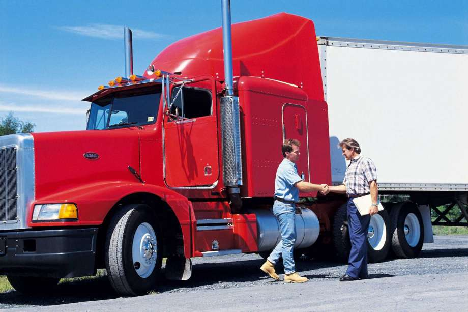 filling in a patent for cargo transportation