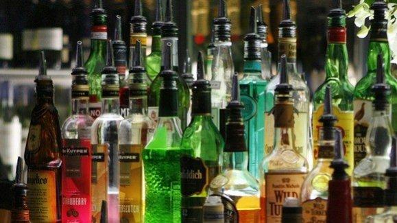 незаконная розничная продажа алкогольной и спиртосодержащей пищевой продукции физическими лицами