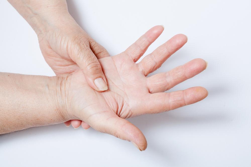 плохо разгибаются пальцы руки