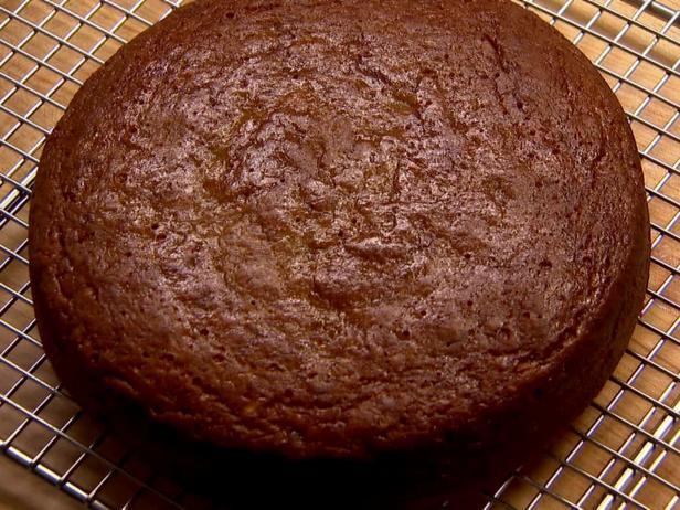 Как испечь бисквит для бананового торта