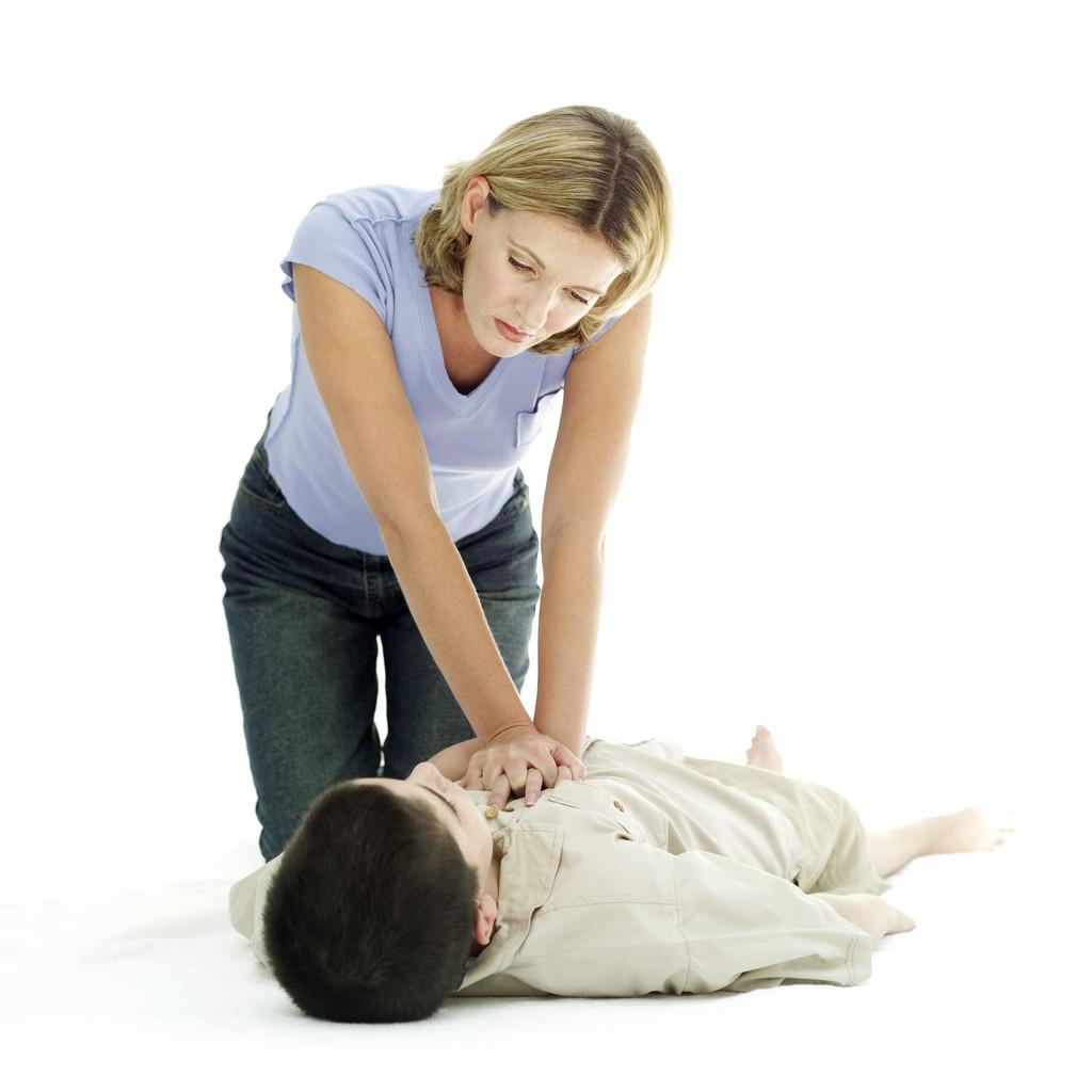 Правила оказания первой помощи при клинической смерти
