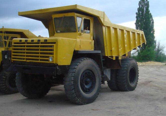 Самосвал Белаз 7522